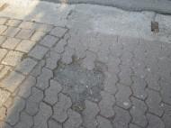 Wohl wegen Behinderung rechtsabbiegender Lastwagen aus der Ausfahrt bewusst entfernt?